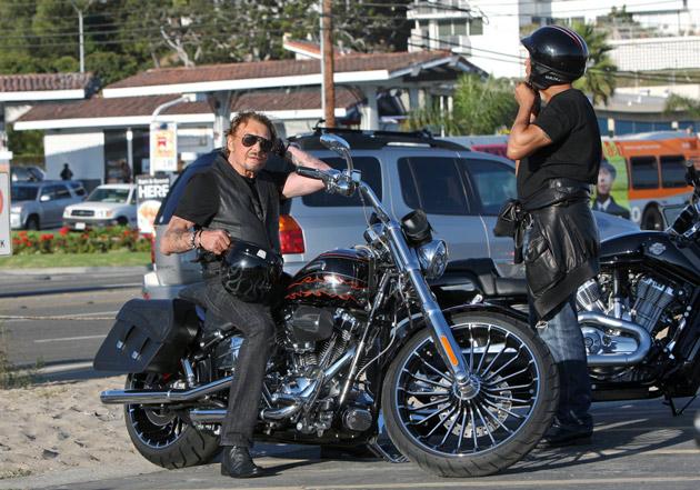 Fan de moto je baise facile si un mec me plait