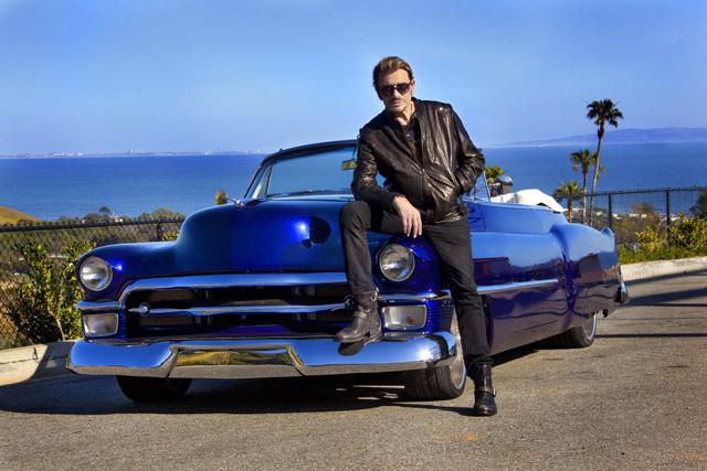 johnny-hallyday-Cadillac-serie-62-cabriolet