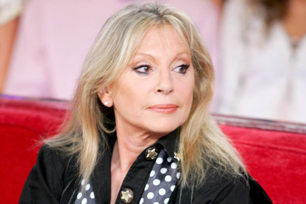 Véronique Sanson insulte Johnny Hallyday