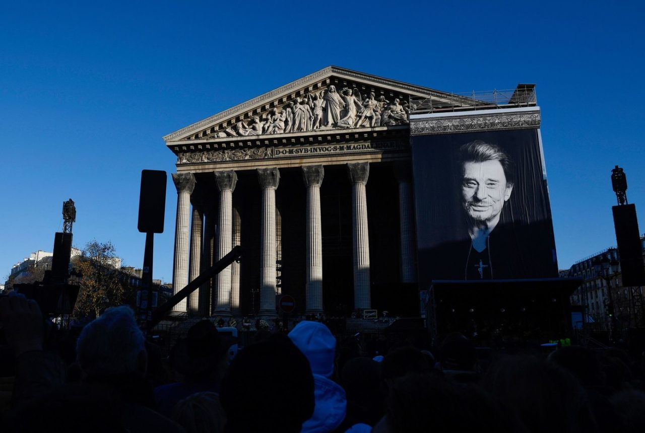 L-eglise-Madeleine-Paris-johnny hallyday