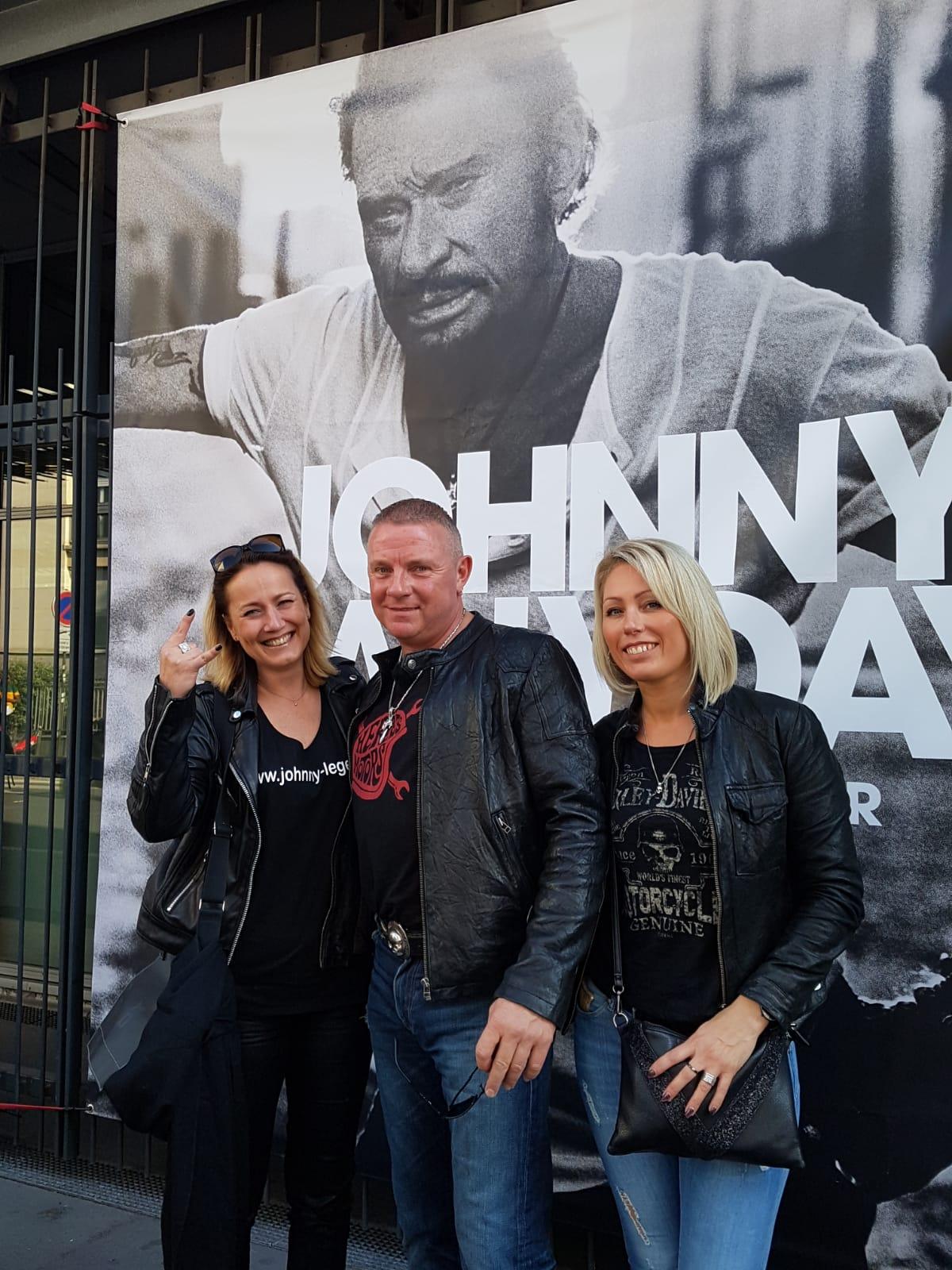 Johnny Hallyday ecoute avant premiere mon pays c est l amour Florence marchand